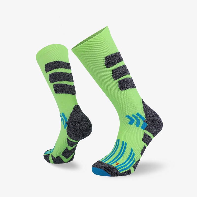 144N Fluorescent green body with gray stripes sport series terry socks