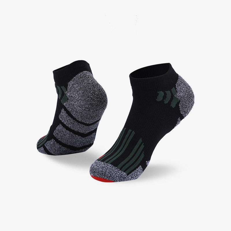144N Black with dark gray stripes sport series terry socks