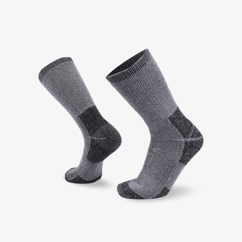 84N 50 degrees gray hiking sock